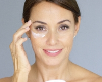It is important to use a separate eye cream from a facial moisturizer.