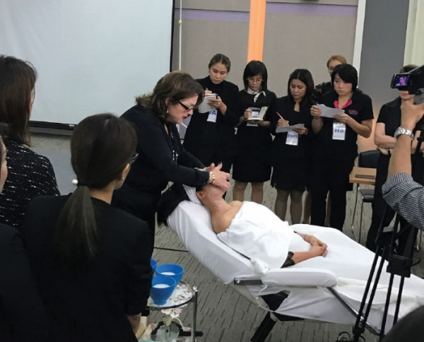 Repêchage® CEO and Founder Lydia Sarfati traveled to Bangkok, Thailand to launch the new Repêchage FUSION™ Express Bar and Spa Masks