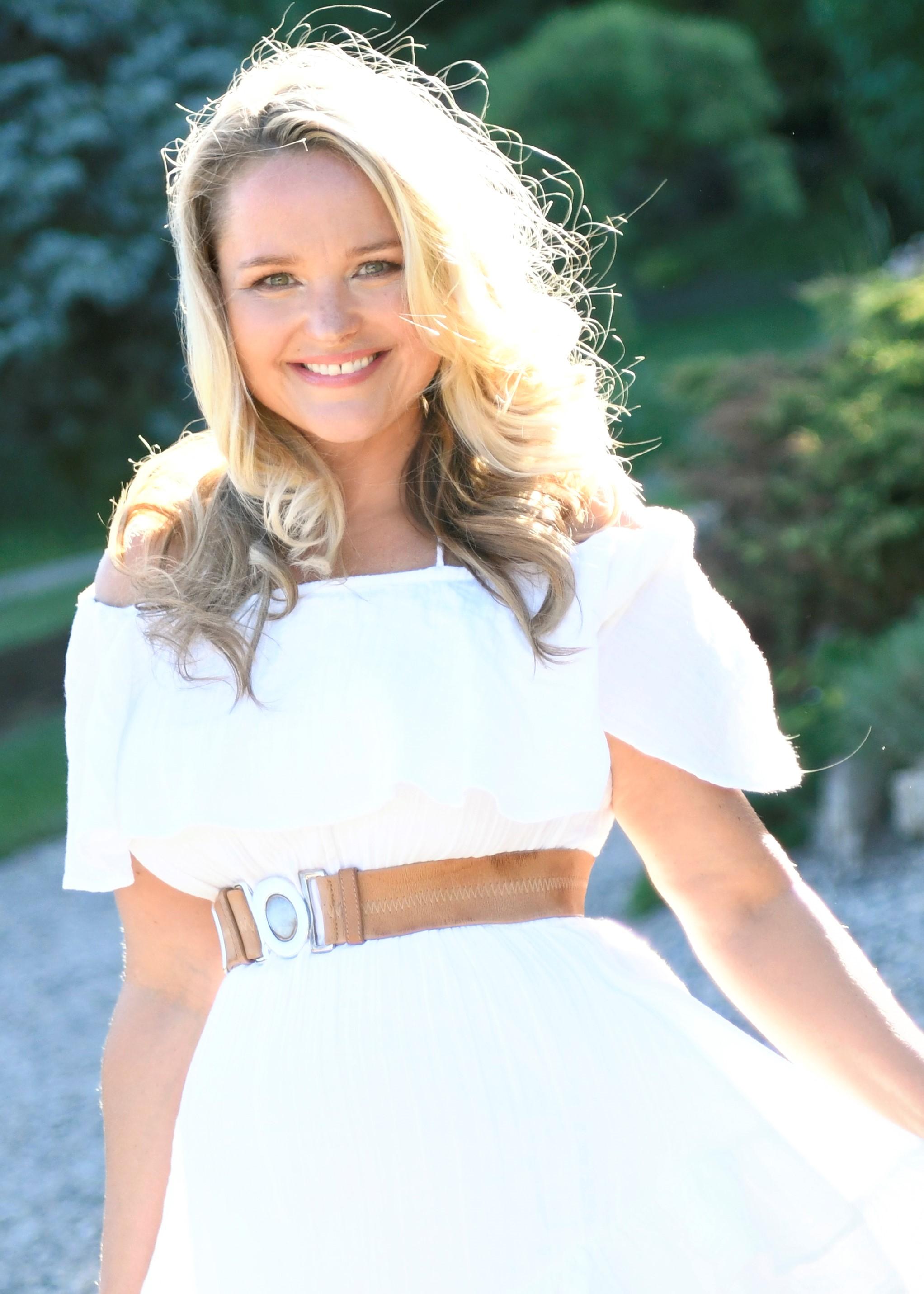 Leah Simon Clarke