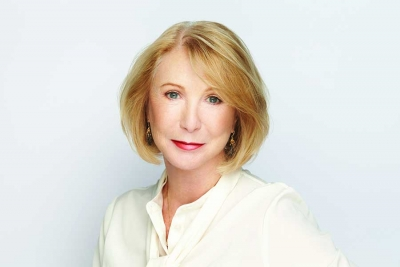 Leading the Pack: Jane Iredale