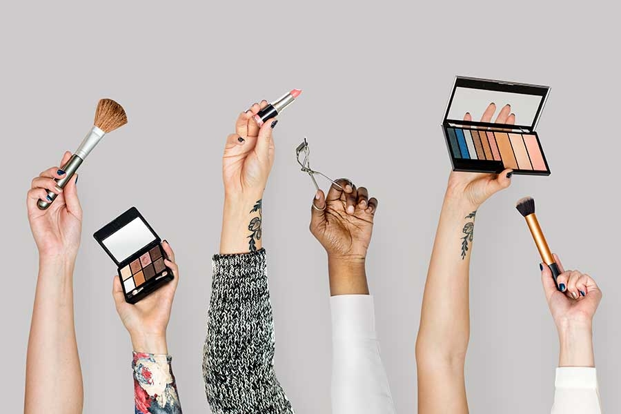 11 Essential, Inexpensive Tools Every Makeup Artist Should Always Carry