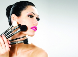 The Makeup Junkie: A Stellar Guide to the Tools of the Trade