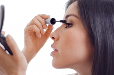 Fact or Fiction: Eyelashes fall out if mascara is not removed.