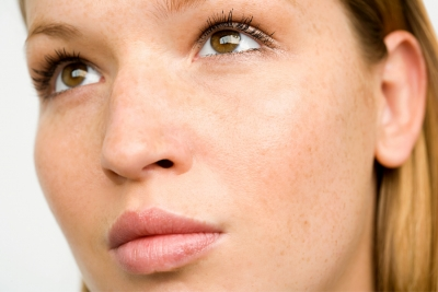 HEV Light: The truth about blue light's impact on skin