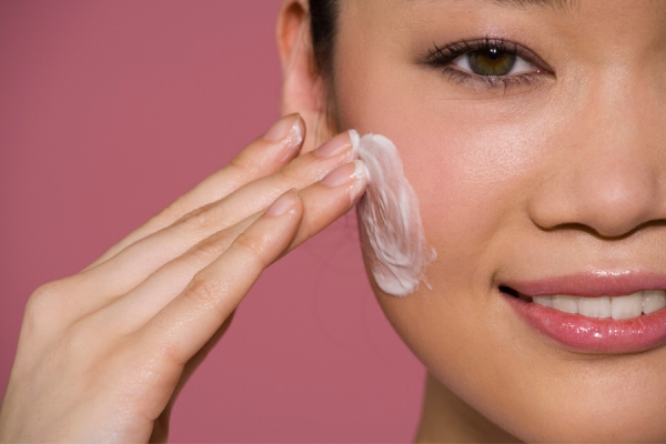 Do Moisturizers with SPF Provide Adequate Protection?