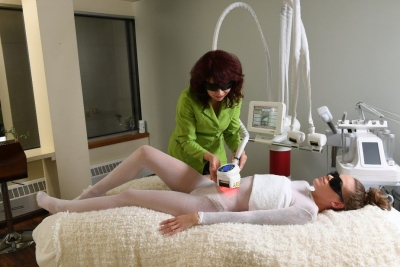Elina Organics Brings 1st icoone Face and Body Firming Services to Chicago