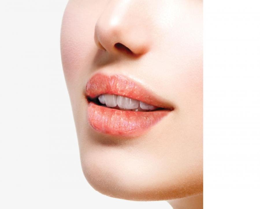 是时候「拯救干唇」了!|| 找出导致干唇的三大原因,小编推荐你这支润唇膏保证你绝不踩雷!