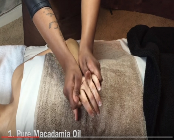 Video: Jindilli Hand Treatment
