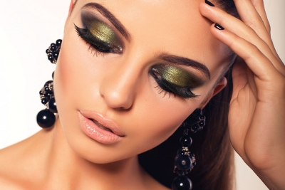 Midnight Makeup: 2 Glam Looks to Help Clients Ring in the New Year