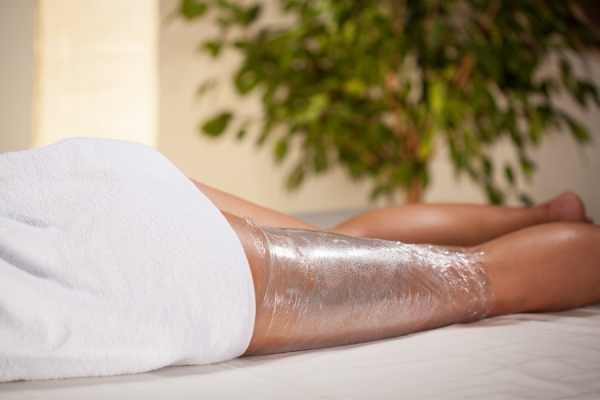 Body Wrapping Basics: Effects, Benefits, & At-Home Use