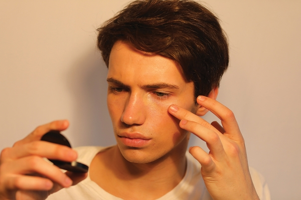 Men's Makeup: Top Tips for a Corrective and Undetectable Application