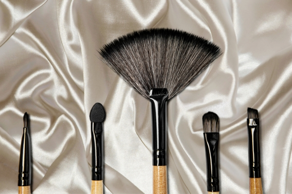 The Brush Up: Importance of Cleaning Makeup Brushes & Facial Cleansing Tools
