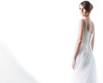 Bridal: Fitting Into the Dress