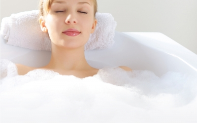 Treat Yourself to a Relaxing Exfoliating Lymphatic Massage – In Your Bathtub!