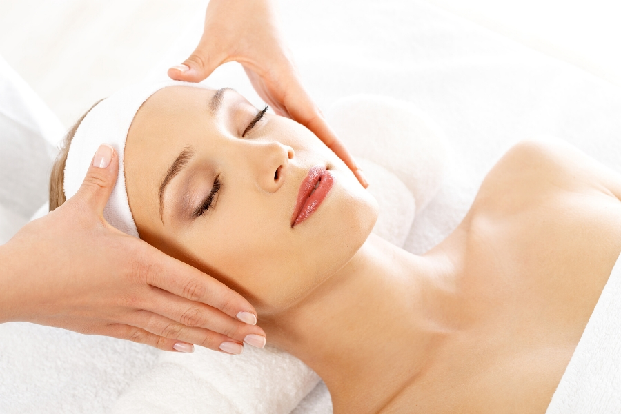 Cleaning Cures: Facial Massage for Allergies